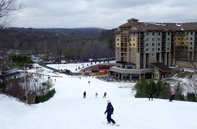 Camelback Mountain Resort~ The Perfect Place for Winter Family Fun! #MTCamelback
